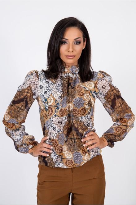 Блуза с шифонени ръкави в ефектен принт