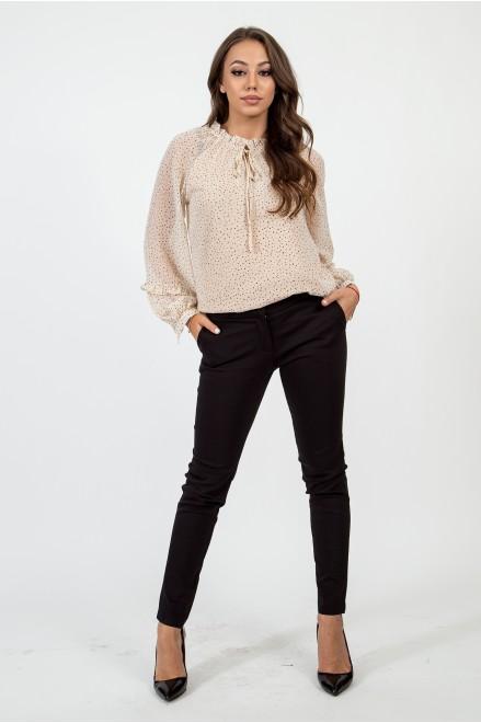 Втален панталон в черен цвят