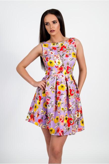 Мини рокля на флорални мотиви