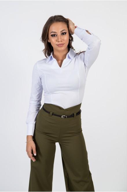 """Риза с """"V"""" деколте в бял цвят"""
