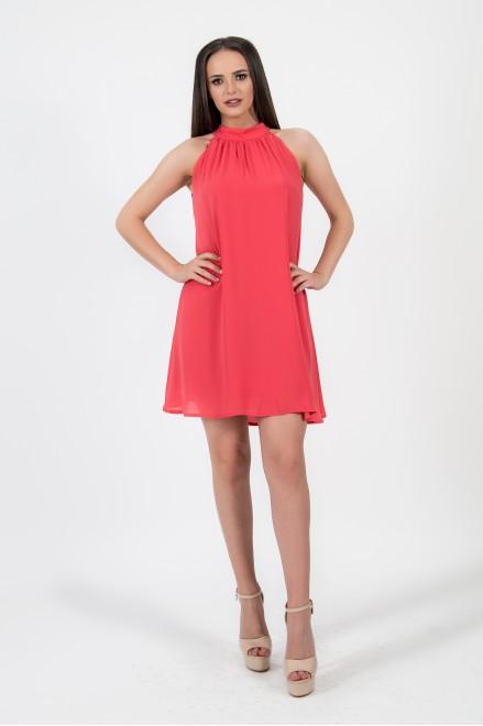 Коктейлна рокля в коралов цвят