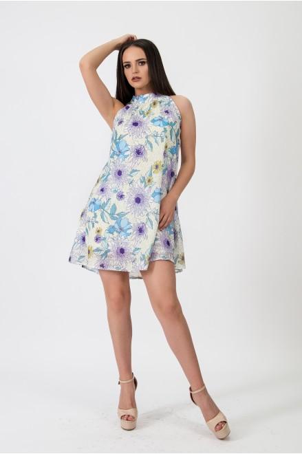Коктейлна рокля на сини цветя