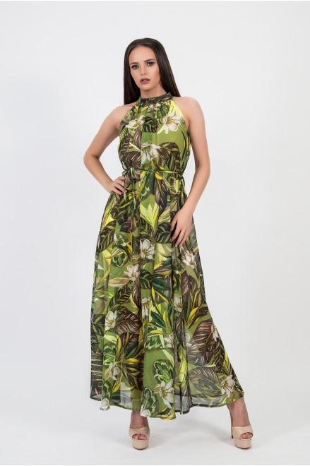 Дълга рокля в зелено на флорални мотиви