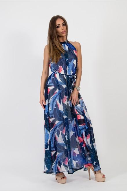 Дълга рокля в синьо на флорални мотиви