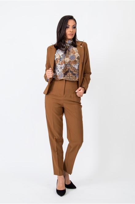 Елегантен панталон в кафяв цвят