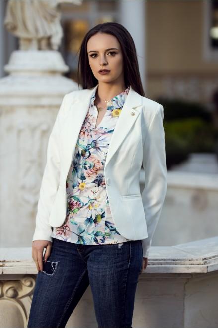 Елегантно сако в бял цвят с брошка