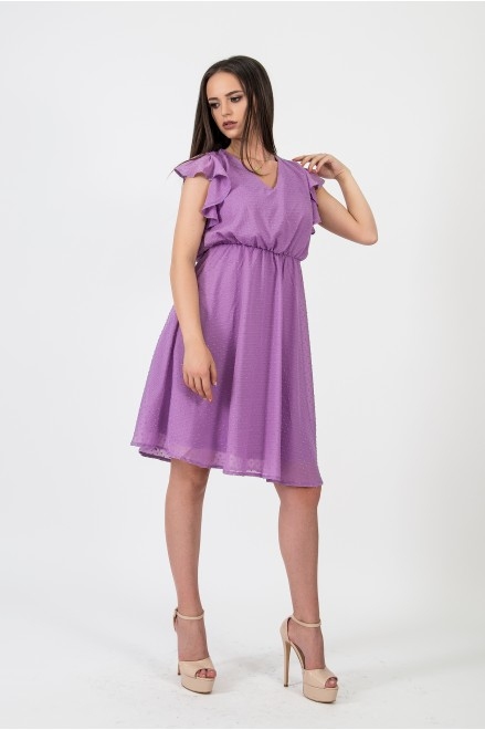 Шифонена рокля с релефни точки в лила