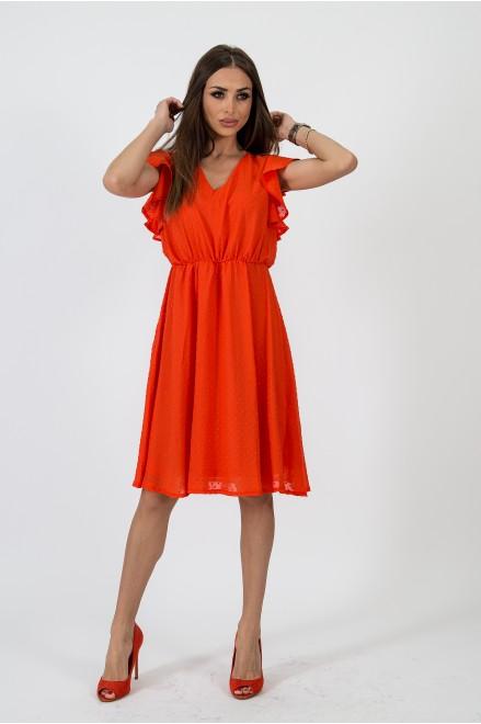 Шифонена рокля с релефни точки в оранжев цвят