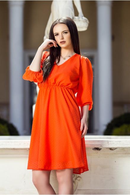 Оранжева шифонена рокля с релефни точки